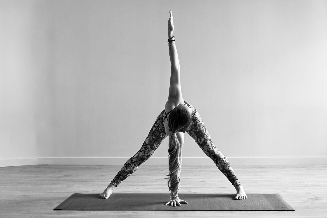 Natürlich und frei: Nackt-Yoga