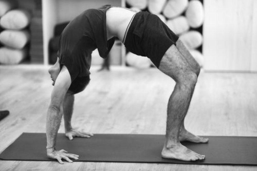 Backbends o posturas de extensión de espalda en Yoga